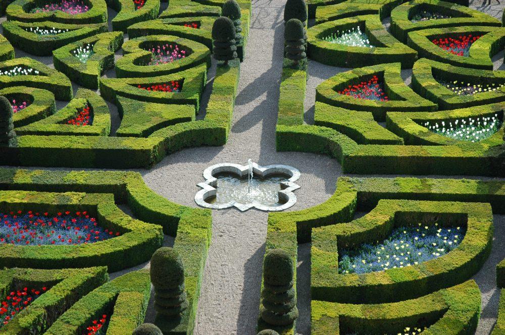 chateau_jardins_villandry_ornement_1er_salon_fontaine_hd.jpg
